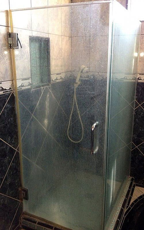 shower glass cleaning